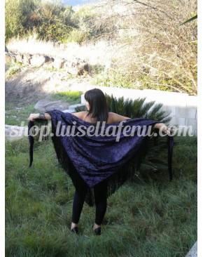 Scialle con frange nere in seta viola