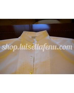 Camicia sarda con collo alla coreana e pieghettine